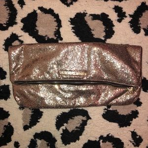 Sparkly gold vs clutch
